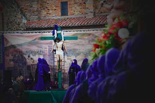 santa-vera-cruz-y-confalón